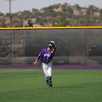 7 cf zeke esqivel fields fly ball