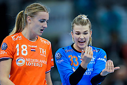 13-12-2019 JAP: Semi Final Netherlands - Russia, Kumamoto<br /> The Netherlands beat Russia in the semifinals 33-22 and qualify for the final on Sunday in Park Dome at 24th IHF Women's Handball World Championship / Kelly Dulfer #18 of Netherlands, Tess Wester #33 of Netherlands