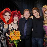 NLD/Utrecht/20100903 - Premiere Queen musical We Will Rock You, Pia Douwes, Marjolein Teepen, Erwin van Lambaart, John Vooijs en Floortje Smit