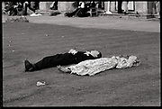 Magdalen Comem Ball. Oxford, 24 June 1988. Film 88578f27<br /> © Copyright Photograph by Dafydd Jones<br /> 66 Stockwell Park Rd. London SW9 0DA<br /> Tel 0171 733 0108