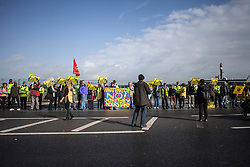 © Licensed to London News Pictures. 29/09/2017. Lancashire, UK.  Protesters outside Cuadrillas Hydraulic Fracturing site on Preston New Road, Lancashire. Over 100 protesters from all over the UK joined the on going anti-fracking protest on Preston New Road in Lancashire ahead of the Conservative Party Conference in Manchester. Photo credit: Steven Speed/LNP