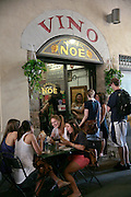 American students having lunch, Antico Noe, Florence, Italy, Florence, Italy