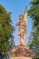 """France, Cher (18), Berry, Mehun-sur-Yèvre, labellisée """"ville et métiers d'art"""", Statue de Jeanne d'Arc, route Jacques Coeur // France, Cher (18), Berry, Mehun-sur-Yèvre, approved """"the city and metiers of arts"""", Jeanne d'Arc statue, the Jacques Coeur road"""