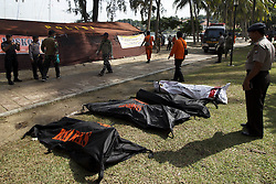 November 4, 2016 - Batam, Riau Island, Indonesia - Officers were evacuating victims of the sink of ship Indonesian illegal workers in Teluk Mata Ikan, Batam, Riau Islands. Ships carrying 98 Indonesian illegal worker and three crewmen during sailed from Malaysia and sank in the waters of Nongsa with 41 peoples survivors, 52 peoples died and 8 peoples are still missing. (Credit Image: © Dedy Sutisna via ZUMA Wire)