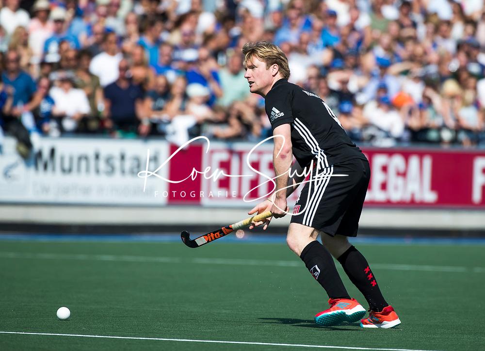 UTRECHT -  Klaas Vermeulen (A'dam) tijdens   de finale van de play-offs om de landtitel tussen de heren van Kampong en Amsterdam (3-1). Kampong kampioen van Nederland. COPYRIGHT  KOEN SUYK