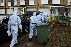 © Licensed to London News Pictures. 20/01/2021. London, UK. Forensics officers arrive at a crime scene at West Park in Greenwich, south east London after a man was found fatally stabbed in a residential property yesterday. Police were called on Tuesday at 12:25 hrs and a 74-year-old man was found suffering from a knife injury, he was pronounced dead at the scene. A 23-year-old male was arrested at the property on suspicion of murder. The deceased and the suspect were known to each other. Photo credit: Peter Macdiarmid/LNP
