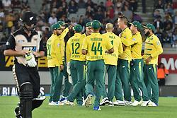 February 17, 2017 - Auckland, New Zealand - South Africa celebrates Andile Phehlukwayo taking  the  wicket of Corey Anderson during international Twenty20 cricket match between South Africa and New Zealand. (Credit Image: © Shirley Kwok/Pacific Press via ZUMA Wire)