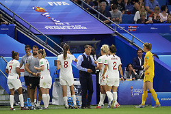 June 27, 2019 - Le Havre, France - Phillip Neville coach of England gives instructions during the 2019 FIFA Women's World Cup France Quarter Final match between Norway and England at  on June 27, 2019 in Le Havre, France. (Credit Image: © Jose Breton/NurPhoto via ZUMA Press)