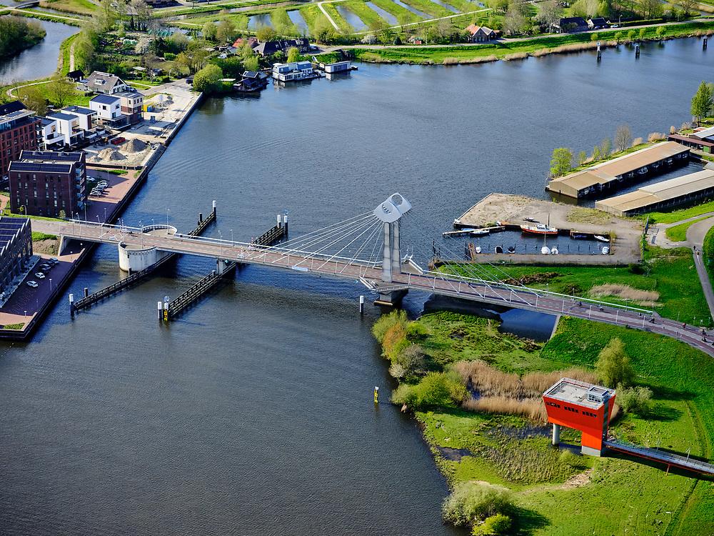 Nederland, Overijssel, Zwolle 07-05-2021; Twistvlietbrug over het Zwarte Water, tussen Westenholte en Holtenbroek.<br /> Twistvliet bridge over the Zwarte Water, between Westenholte and Holtenbroek.<br /> <br /> luchtfoto (toeslag op standard tarieven);<br /> aerial photo (additional fee required)<br /> copyright © 2021 foto/photo Siebe Swart