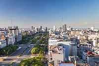 VISTA AEREA DE LA AVENIDA 9 DE JULIO HACIA EL RIO DE LA PLATA DESDE EL HOTEL PANAMERICANO, CIUDAD AUTONOMA DE BUENOS AIRES, ARGENTINA (PHOTO © MARCO GUOLI - ALL RIGHTS RESERVED)