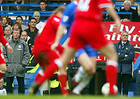 Fotball<br /> NORWAY ONLY<br /> Photo: Scott Heavey, Digitalsport<br /> Chelsea v Midlesbrough. FA Barclaycard Premiership.10/04/2004<br /> Steve McCloaren (L) and Claudio Ranieri nervously look on as their sides play out a 0-0 draw