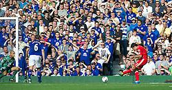 01.10.2011, Goodison Park, Liverpool, ENG, PL, Everton FC vs Liverpool FC, im Bild Liverpool's Luis Alberto Suarez Diaz scores the second goal against Everton during the Premiership match at Goodison Park, EXPA Pictures © 2011, PhotoCredit: EXPA/ Propaganda/ *** ATTENTION *** UK OUT!