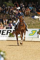 THEODORESCU Monica, Whisper 128<br /> Grand Prix WDM Tour Finale<br /> München Riem Pferd International - 2011<br /> (c) www.sportfotos-Lafrentz. de/Stefan Lafrentz