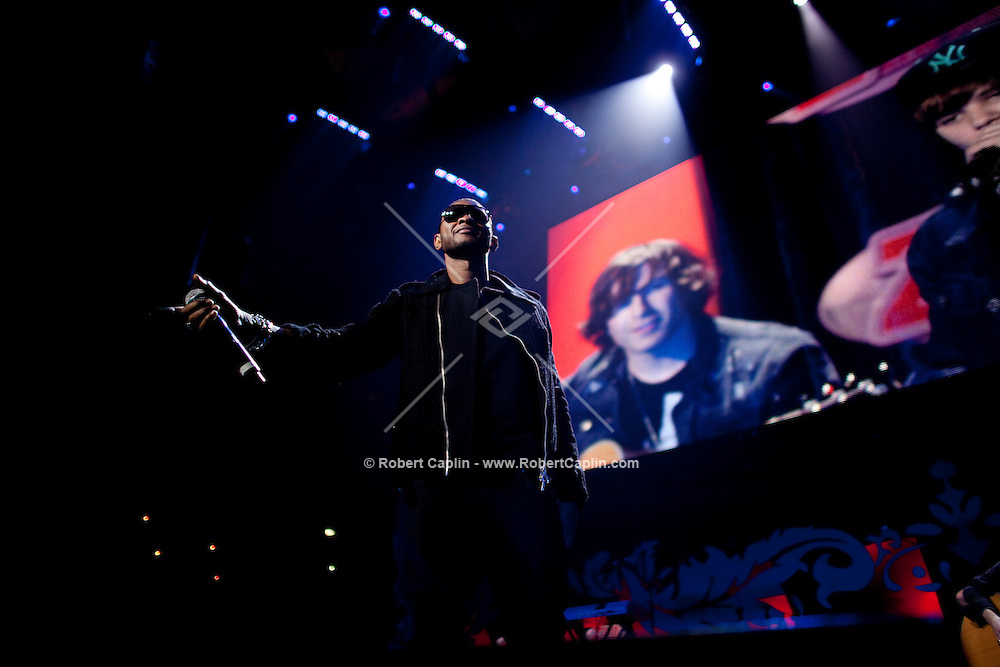 Usher and Justin Bieber perform at the 2009 Z100 Jingle Ball at Madison Square Garden in New York. It was Bieber's first performance at The Garden. ..(Photo by Robert Caplin)..