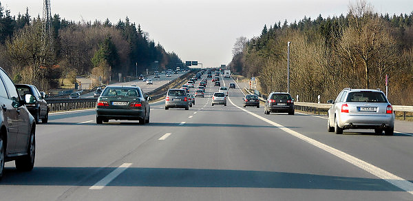 Duitsland, Frankfurt, 10-3-2008..Verkeer over de autobahn...Foto: Flip Franssen/Hollandse Hoogte