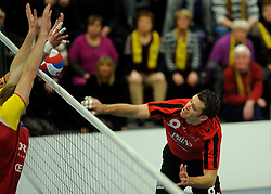 19-02-2011 VOLLEYBAL: PRINS VCV - DRAISMA DYNAMO: VEENENDAAL<br /> Dynamo wint vrij eenvoudig met 3-0 van VCV / Sander Lems (#8)<br /> ©2011-WWW.FOTOHOOGENDOORN.NL