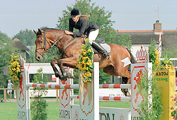 Barelds Jennifer-Montreal<br />KWPN Paardendagen 2001<br />Photo © Dirk Caremans