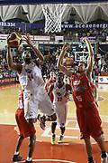 DESCRIZIONE : Roma Campionato Lega A 2013-14 Acea Virtus Roma Grissin Bon Reggio Emilia <br /> GIOCATORE :  Hosley Quinton<br /> CATEGORIA : tiro equilibrio<br /> SQUADRA : Acea Virtus Roma<br /> EVENTO : Campionato Lega A 2013-2014<br /> GARA : Acea Virtus Roma Grissin Bon Reggio Emilia <br /> DATA : 22/12/2013<br /> SPORT : Pallacanestro<br /> AUTORE : Agenzia Ciamillo-Castoria/M.Simoni<br /> Galleria : Lega Basket A 2013-2014<br /> Fotonotizia : Roma Campionato Lega A 2013-14 Acea Virtus Roma Grissin Bon Reggio Emilia <br /> Predefinita :
