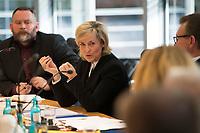 DEU, Deutschland, Germany, Berlin, 11.11.2016: Medienjournalist Stefan Niggemeier und die ARD-Vorsitzende Prof. Dr. Karola Wille beim Medienpolitischen Dialog der SPD-Fraktion im Deutschen Bundestag.