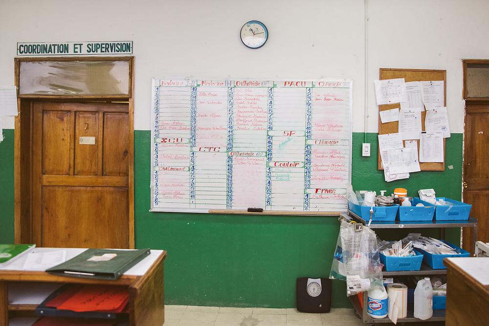 INDIVIDUAL(S) PHOTOGRAPHED: N/A. LOCATION: Sacré-Cœur Hospital, Milot Commune, Cap-Haïtien, Haïti. CAPTION: A view of the Medicine Department at the Sacré-Coeur Hospital in Milot.