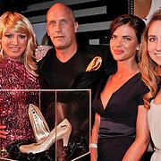 NLD/Amsterdam/20110214 - Onthulling nieuwe pump Chick Shoes ism I Love Fashion News, Mayday, Henk, Sylvia geersen en Annic van Wonderen