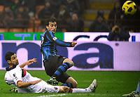 Il gol del 2-0 di Diego Milito (Inter) <br /> Inter player Diego Milito scores his 2-0 leading goal<br /> Inter Bologna - Campionato di Seire A Tim 2010-2011<br /> Stadio Giuseppe Meazza, San Siro, Milano, 15/01/2011<br /> © Giorgio Perottino / Insidefoto