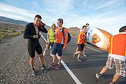 Wil Baselmans van het Human Power Team Delft en Amsterdam tijdens de tweede westrijddag van de WHPSC. In Battle Mountain (Nevada) wordt ieder jaar de World Human Powered Speed Challenge gehouden. Tijdens deze wedstrijd wordt geprobeerd zo hard mogelijk te fietsen op pure menskracht. Ze halen snelheden tot 133 km/h. De deelnemers bestaan zowel uit teams van universiteiten als uit hobbyisten. Met de gestroomlijnde fietsen willen ze laten zien wat mogelijk is met menskracht. De speciale ligfietsen kunnen gezien worden als de Formule 1 van het fietsen. De kennis die wordt opgedaan wordt ook gebruikt om duurzaam vervoer verder te ontwikkelen.<br /> <br /> Wil Baselmans of the Human Power Team Delft and Amsterdam at the second day at the WHPSC. In Battle Mountain (Nevada) each year the World Human Powered Speed Challenge is held. During this race they try to ride on pure manpower as hard as possible. Speeds up to 133 km/h are reached. The participants consist of both teams from universities and from hobbyists. With the sleek bikes they want to show what is possible with human power. The special recumbent bicycles can be seen as the Formula 1 of the bicycle. The knowledge gained is also used to develop sustainable transport.