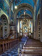 Wnętrze neogotyckiego kościoła parafialnego na Krupówkach pw. Świętej Rodziny.