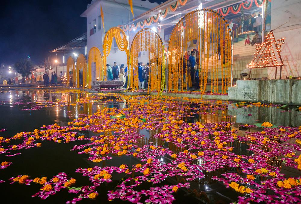 PUSHKAR, INDIA - CIRCA NOVEMBER 2016:  Hindu celebrations around Pushkar Lake during the Pushkar Camel Fair