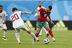 (l-r) Sardar Azmoun of IR Iran, Younes Belhanda of Morocco