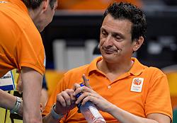 18-08-2016 BRA: Olympic Games day 13, Rio de Janeiro<br /> De Nederlandse volleybalsters hebben niet kunnen stunten met een plaats in de finale van het olympisch toernooi. China, dat in de groepsfase nog met 3-2 geklopt werd, won na een thriller van ruim twee uur: 3-1 (27-25, 23-25, 29-27, 25-23). / Coach Giovanni Guidetti