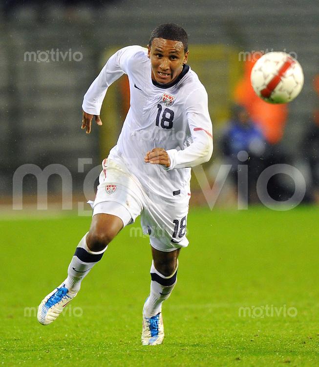 6. September 2011: Bruessel, Stade Roi Badouin: Fussball Laenderspiel (Testspiel): Belgien - USA: Juan Agudelo vom Team USA am Ball.