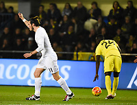 Villarreal CF's E. Bailly and Real Madrid's Bale during La Liga match. December 13, 2015. (ALTERPHOTOS/Javier Comos)