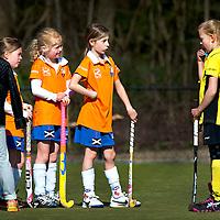 """SERIE ROOKIE <br /> Nederland, Bloemendaal, 18-04-2015.<br /> Hockey.<br /> Bloemendaal MF2 - H.V. De Terriërs MF4.<br /> """"Wij zijn Bloemendaal""""<br /> Foto : Klaas Jan van der Weij"""