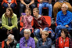 02-10-2016 NED: Supercup VC Sneek - Eurosped, Doetinchem<br /> Eurosped wint de Supercup door Sneek met 3-0 te verslaan / Support, publiek, Niels en Simcha