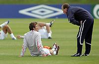 Photo: Paul Thomas.<br /> England Training Session. 01/06/2006.<br /> <br /> David Beckham (L) and Steve Maclaren.