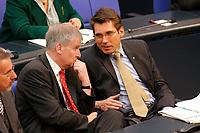 26 SEP 2003, BERLIN/GERMANY:<br /> Horst Seehofer (L), CSU, MdB, Stellv. CDU/CSU Fraktionsvorsitzender, und Andreas Storm (R), Vors. AG Gesundheit u. Soziale Sicherung der CDU/CSU BT-Fraktion, im Gespraech, waehrend der Bundestagsdebatte zur Gesundheitsreform, Plenum, Deutscher Bundestag<br /> IMAGE: 20030926-01-021<br /> KEYWORDS: Gespräch