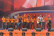 Nederlandse Olympische ploeg komt thuis en wordt gehuldigd op het plein voor Station Den Bosch.<br /> <br /> Op de foto: