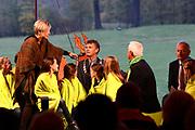 Boekpresentatie Mr Finney en het raadsel in de bomen bij Natuurmonumenten in 's Graveland.<br /> <br /> Book presentation Mr. Finney and the riddle in the trees at Natuurmonumenten in 's Graveland.<br /> <br /> op de foto / On the photo:  Prinses Laurentien in gesprek met de kinderen / Princess Laurentien in conversation with the children