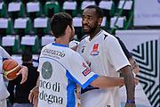 DESCRIZIONE : Beko Legabasket Serie A 2015- 2016 Dinamo Banco di Sardegna Sassari - Manital Auxilium Torino<br /> GIOCATORE : Lorenzo D'Ercole Christian Eyenga<br /> CATEGORIA : Fair Play Before Pregame<br /> SQUADRA : Dinamo Banco di Sardegna Sassari<br /> EVENTO : Beko Legabasket Serie A 2015-2016<br /> GARA : Dinamo Banco di Sardegna Sassari - Manital Auxilium Torino<br /> DATA : 10/04/2016<br /> SPORT : Pallacanestro <br /> AUTORE : Agenzia Ciamillo-Castoria/L.Canu