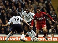 Fotball<br /> Foto: BPI/Digitalsport<br /> NORWAY ONLY<br /> <br /> 01/12/2004 Tottenham v Liverpool, Carling Cup Quarter Final, White Hart Lane<br /> <br /> Liverpool debutant Antonio Nunez is pressed by Anthony Gardner