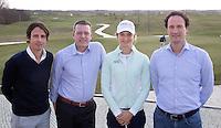 BADHOEVEDORP -  Norbert Chevalier (TIG Sports) , Jeroen Stevens (directeur NGF)  , golfprofessional Anne van Dam en Steven Sedee   (ING sportsponsoring)   Van 20 t/m 22 mei zal op de International Golfcourse de ING Private Banking Golf Week voor het eerst gehouden worden.  COPYRIGHT KOEN SUYK