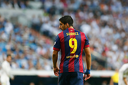 25.10.2014, Estadio Santiago Bernabeu, Madrid, ESP, Primera Division, Real Madrid vs FC Barcelona, 9. Runde, im Bild Barcelona´s Luis Suarez // during the Spanish Primera Division 9th round match between Real Madrid CF and FC Barcelona at the Estadio Santiago Bernabeu in Madrid, Spain <br /> <br /> ***** NETHERLANDS ONLY *****