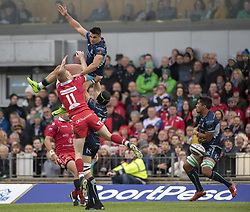 September 22, 2018 - Galway, Ireland - Cian Kelleher of Connacht and Johnny McNicholl of Scarlets jump for the ball during the Guinness PRO14 match between Connacht Rugby and Scarlets at the Sportsground in Galway, Ireland on September 22, 2018  (Credit Image: © Andrew Surma/NurPhoto/ZUMA Press)