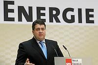"""06 MAR 2006, BERLIN/GERMANY:<br /> Sigmar Gabriel, SPD, Bundesumweltminister, haelt eine Rede, waehrend der SPD Konferenz zum Thema """"Neue Energie"""", Willy-Brandt-Haus<br /> IMAGE: 20060306-02-046<br /> KEYWORDS: speech"""