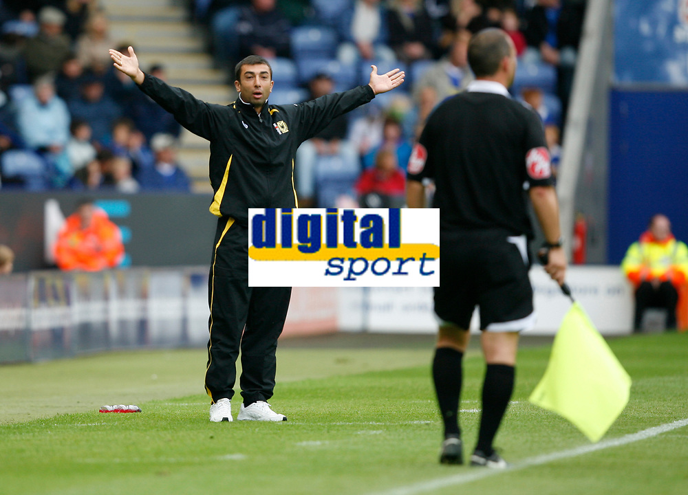 Photo: Steve Bond/Richard Lane Photography<br />Leicester City v MK Dons. Coca-Cola League One. 09/08/2008. Roberto Di Matteo appeals to the linesman