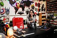 Mars 2019. Inde. New delhi. Les Bikerni, premier club de motocyclisme féminin indien, embarquent chaque week-end pour des chevauchées sur des deux-roues mythiques à l'assaut des routes du pays. Au-delà des sensations fortes, les motardes revendiquent leur droit à l'aventure, à l'insouciance et à l'autonomie. Un vrai défi dans une société patriarcale qui entrave encore leurs libertés. Ankita Arora, 27 ans, roule en ducati monstro de couleur rouge. Elle est responsable marketing chez  XBHP, un magazine print et we dédié à la passion de la moto.