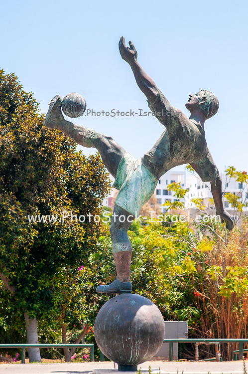 Statue of Natan Panz (September 28, 1917 – April 28, 1948) a Jewish football player from Mandatory Palestine, who played for Maccabi Tel Aviv and Beitar Tel Aviv, as well as playing one match with the Mandatory Palestine national football team. He was also an Irgun member, and was killed during the 1948 War of Independence in Palestine in battle with the British Army. A Bronze and Concrete statue by Zvi Geyra 2001