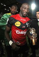 Mustapha YATABARE (Guingamp) - attitude - joie - trophee de meilleur buteur de ligue 2