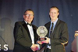 CARDIFF, WALES - Tuesday, November 8, 2016: Chas Rowlands, Chairman of the FAW Disciplinary Panel presents the FAW Fair Play Award to Llanfairpwll (Welsh Alliance League Division One) during the FAW Awards Dinner at the Vale Resort. (Pic by David Rawcliffe/Propaganda)